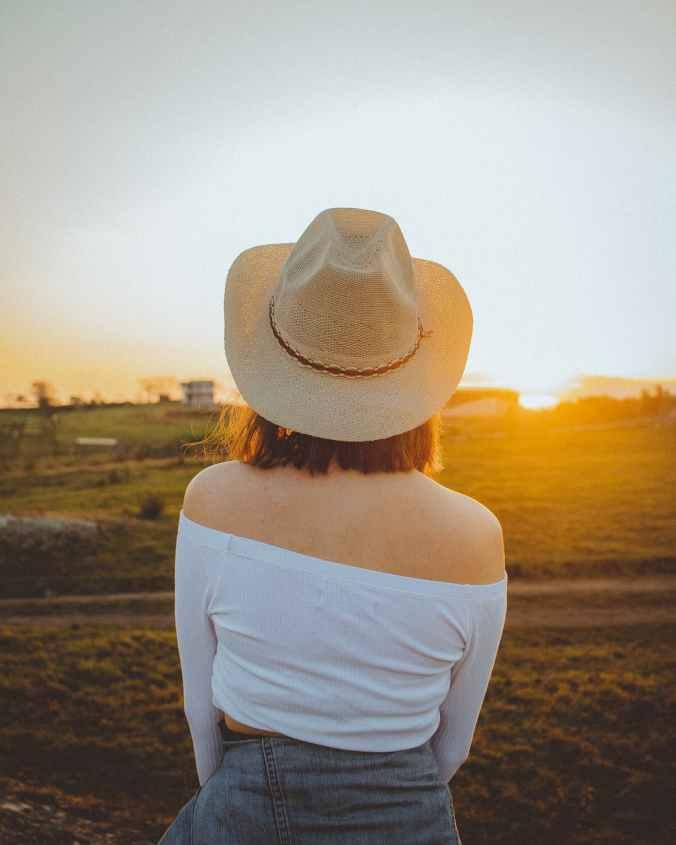 women wearing sun hat