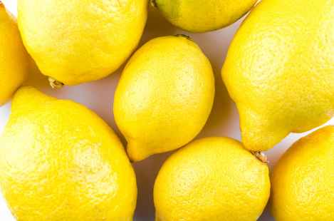 close up photography of lemons